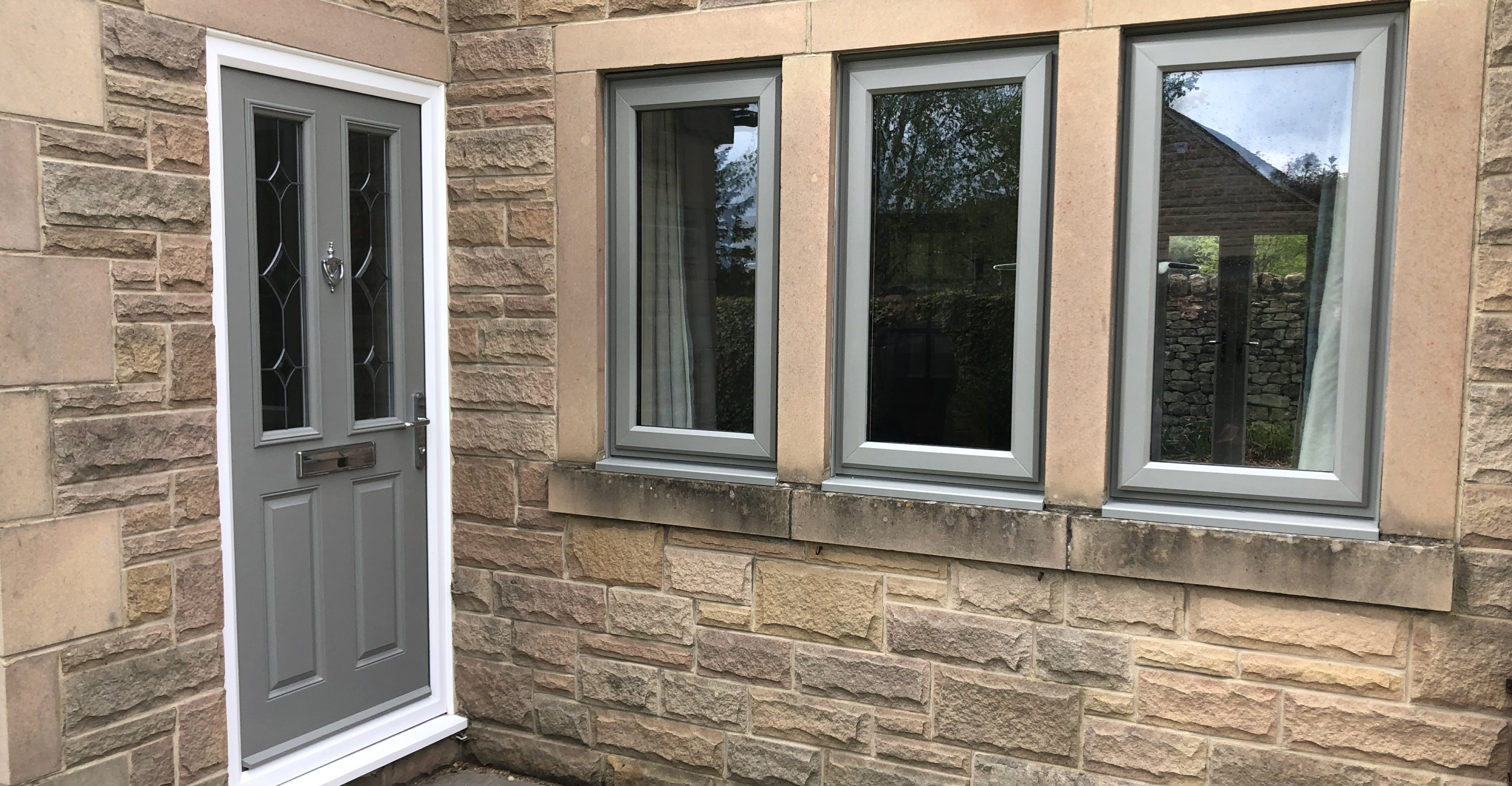 Change the colours of your windows and doors with Spraymaster South West. No matter the door type we can spray your doors a new paint colour, which is a much cheaper alternative to replacing them. We don't even need to remove your windows from your property in order to spray them.